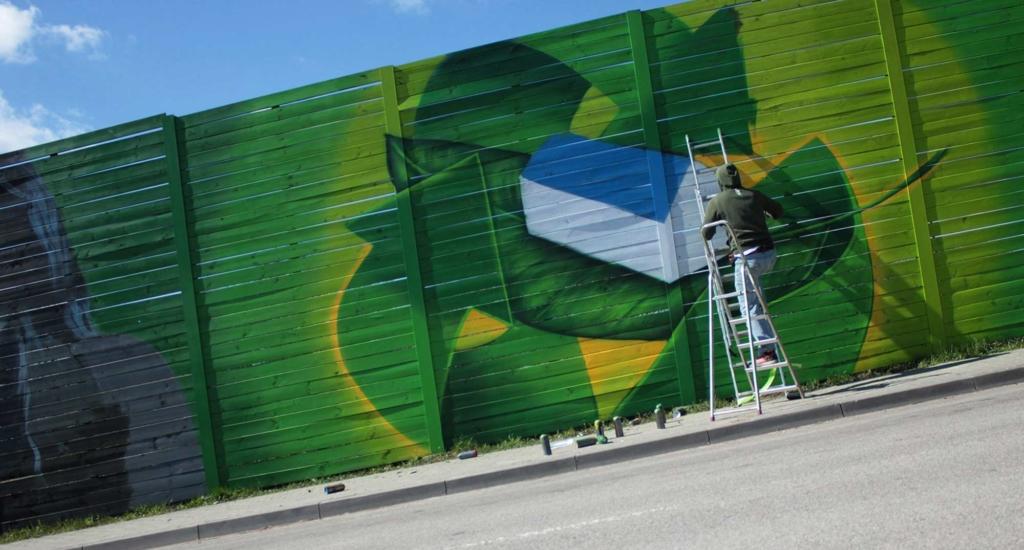 Graffiti na deskach, ekran dzwiękochłonny