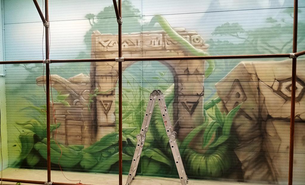 wejście mural