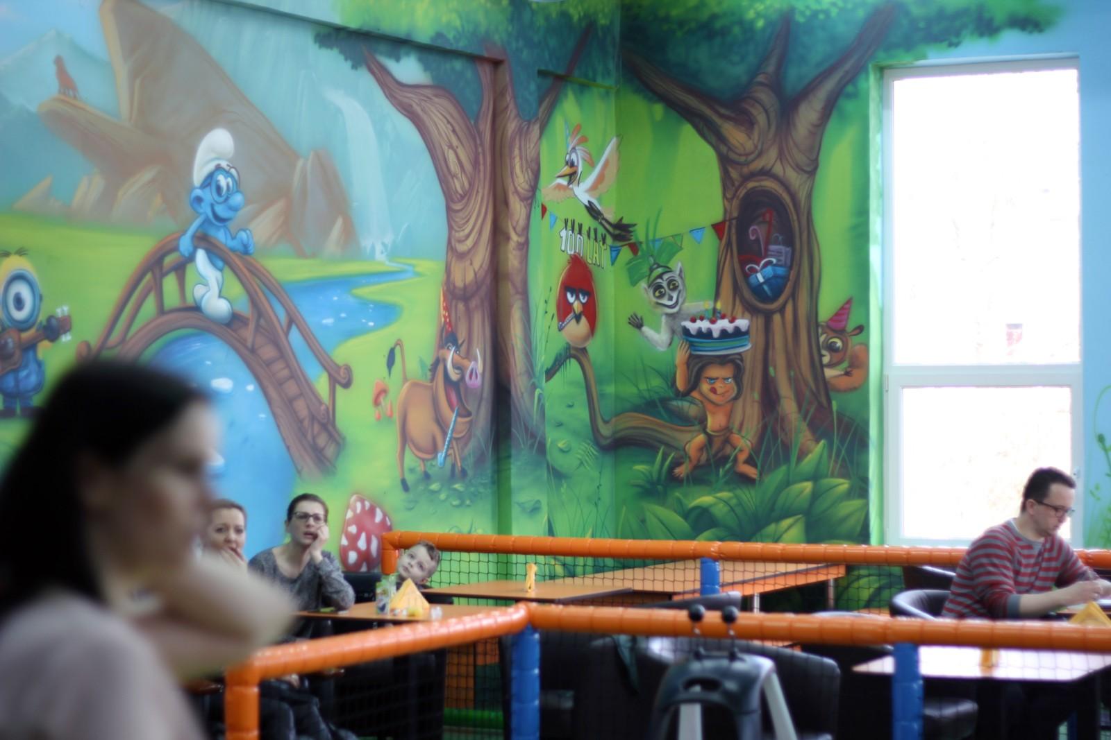 Ełk, Tęcza, Sala Zabaw, malunki, graffiti, mural, dla dzieci, zabawa