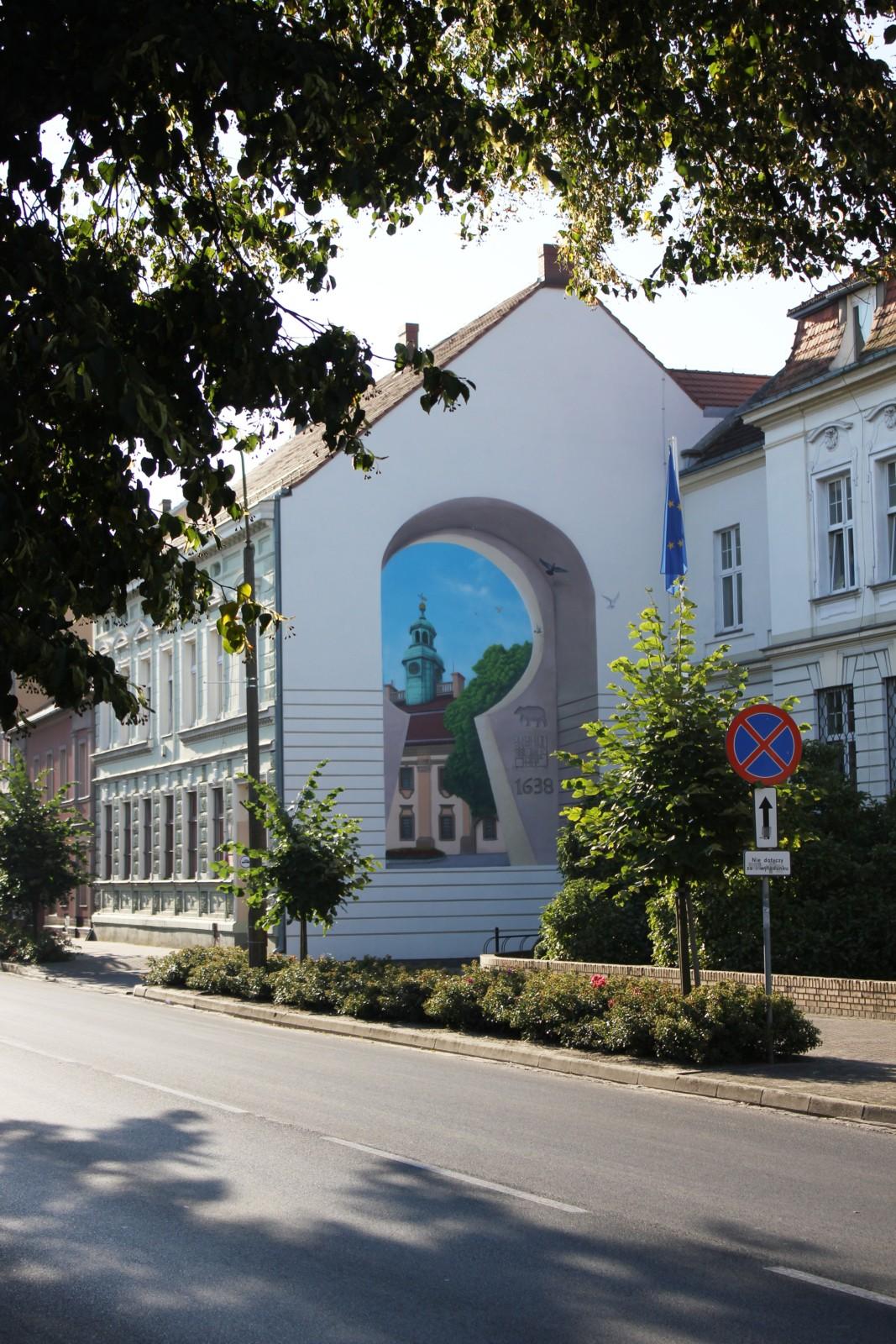 Mural, ratusz, Rawicz, fajny mural, malarstwo ścienne dla miasta