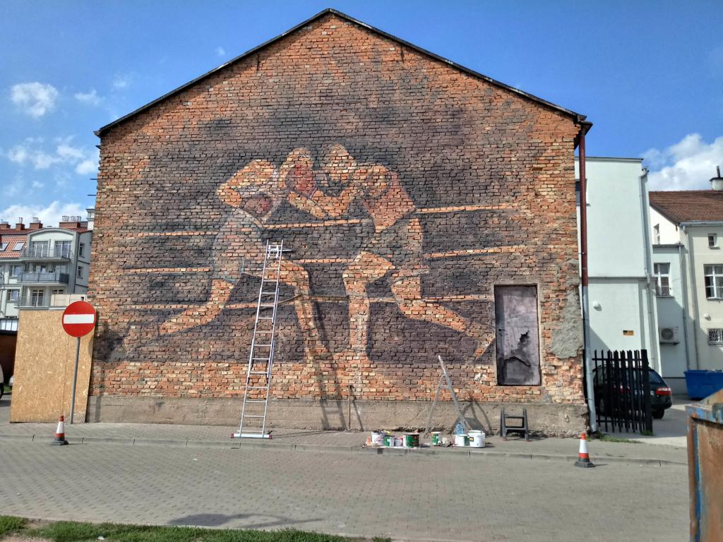 mural, sala bokserska, stara cegła, Ełk, legendarna sala bokserska, malowidło lat 70, stara szkoła muralu