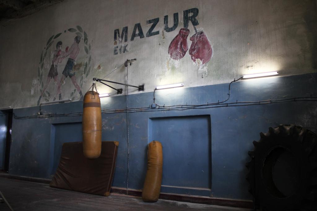Stare malowidło w sali bokserskiej