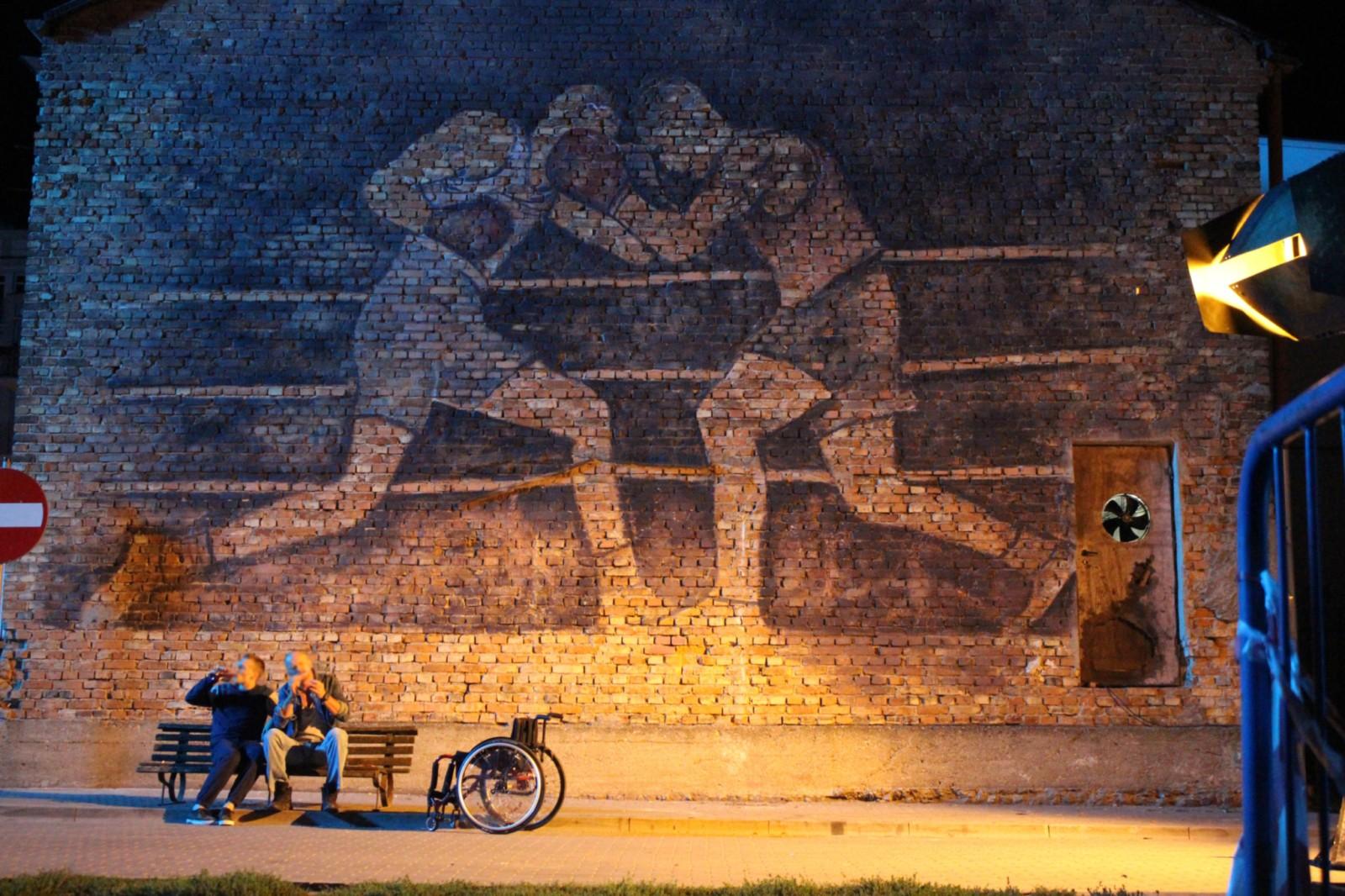 Scenografia, mural do filmu, bokserzy, malowidło PRL,film, Underdogm, Mamed Khalidov