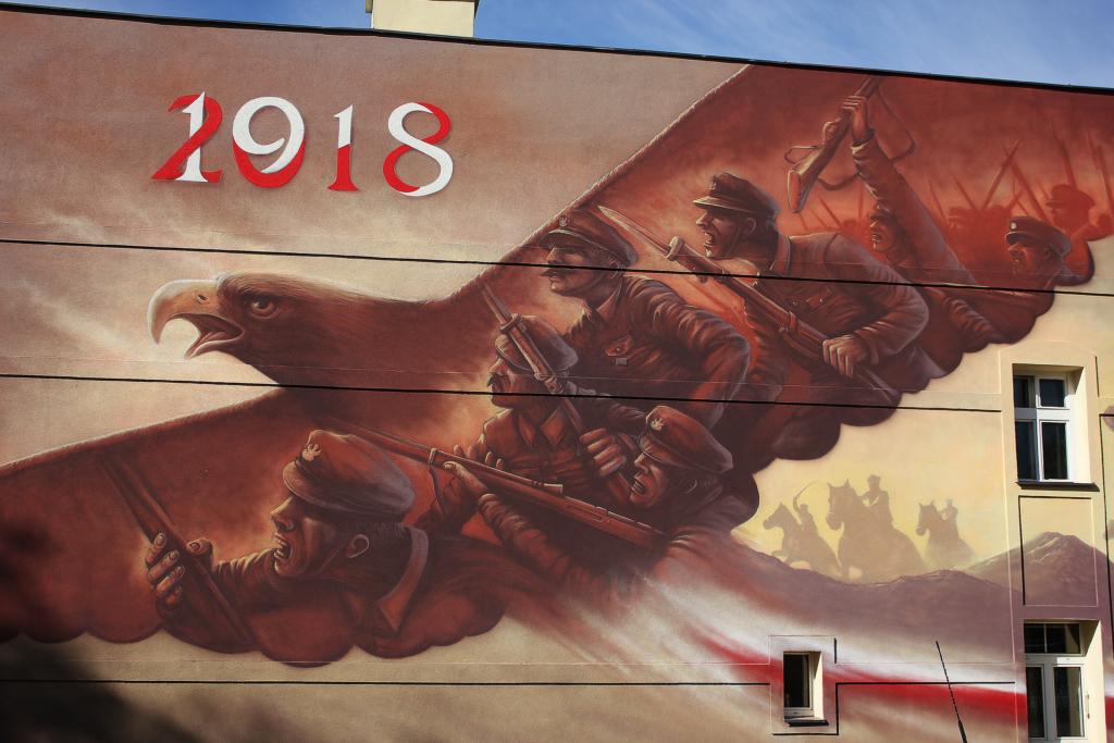 mural żołnierzy, 1918, Bitwa Warszawska, zbliżenie, orzeł, mural, 1918, 2018, żołnierze, walka, dynamizm,