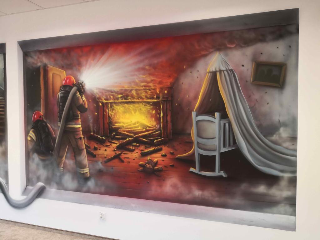 mieszkanie płonie